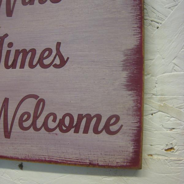 Burgundy/Antique White Good Friends Good Wine Always Welcome