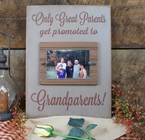 Only Great Parents Get Promoted to Grandparents Picture Frame with ...